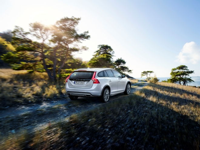 V60Crosscountry_interauto1