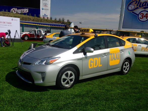 Prius_taxi_interauto